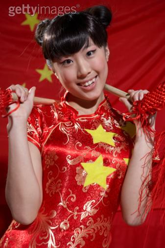 Young_woman_in_traditional_chinese_cloth